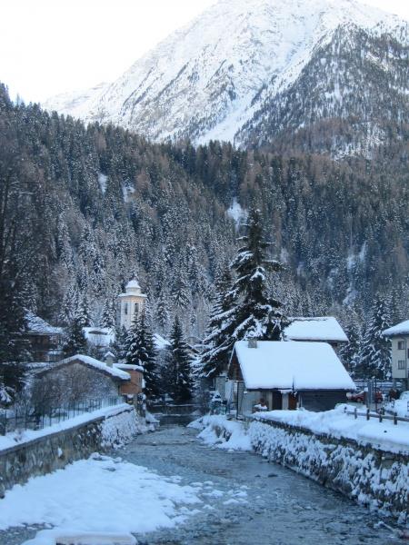 Guida valle d 39 aosta foto cartoline e immagini tuttocitt for Arredo bagno valle d aosta