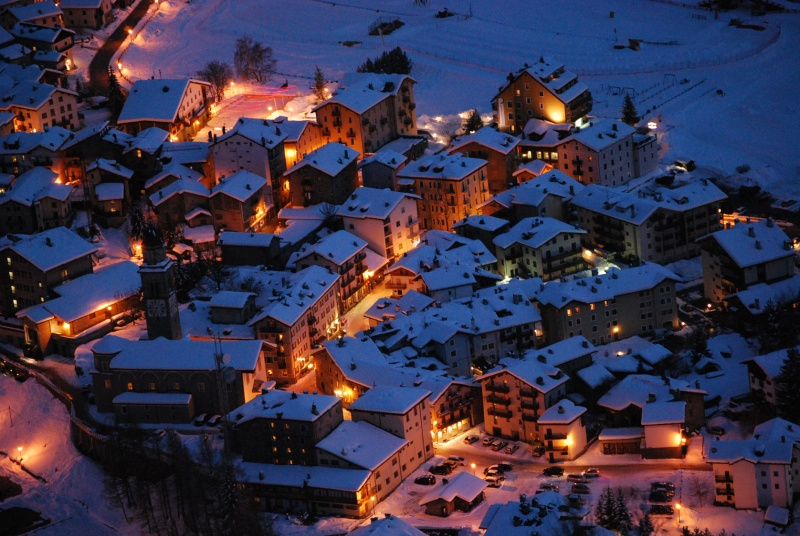Cartina Della Valle D Aosta Da Stampare.Guida Valle D Aosta Foto Cartoline E Immagini Tuttocitta