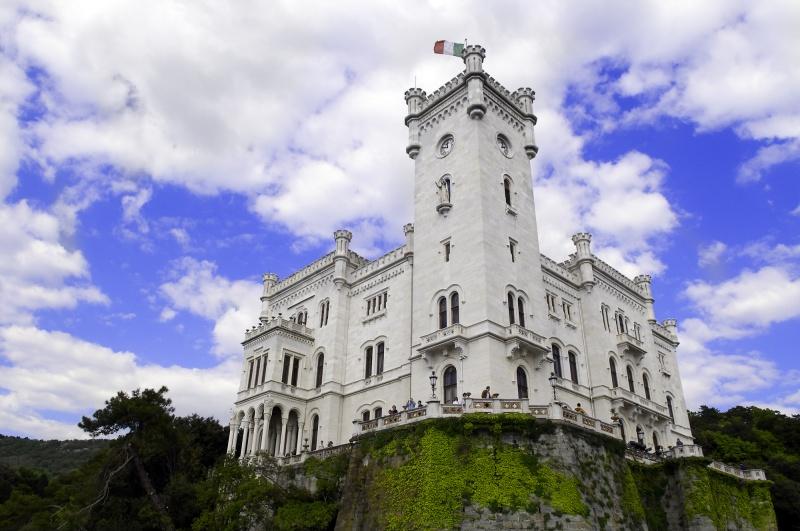 Guida friuli venezia giulia foto cartoline e immagini for Disegni casa castello